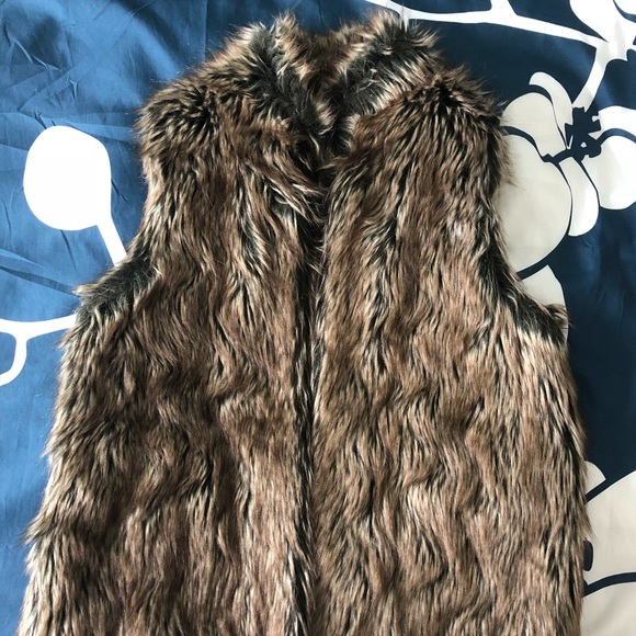 Kenar Jackets & Blazers - Faux fur vest with brown lining - size Large